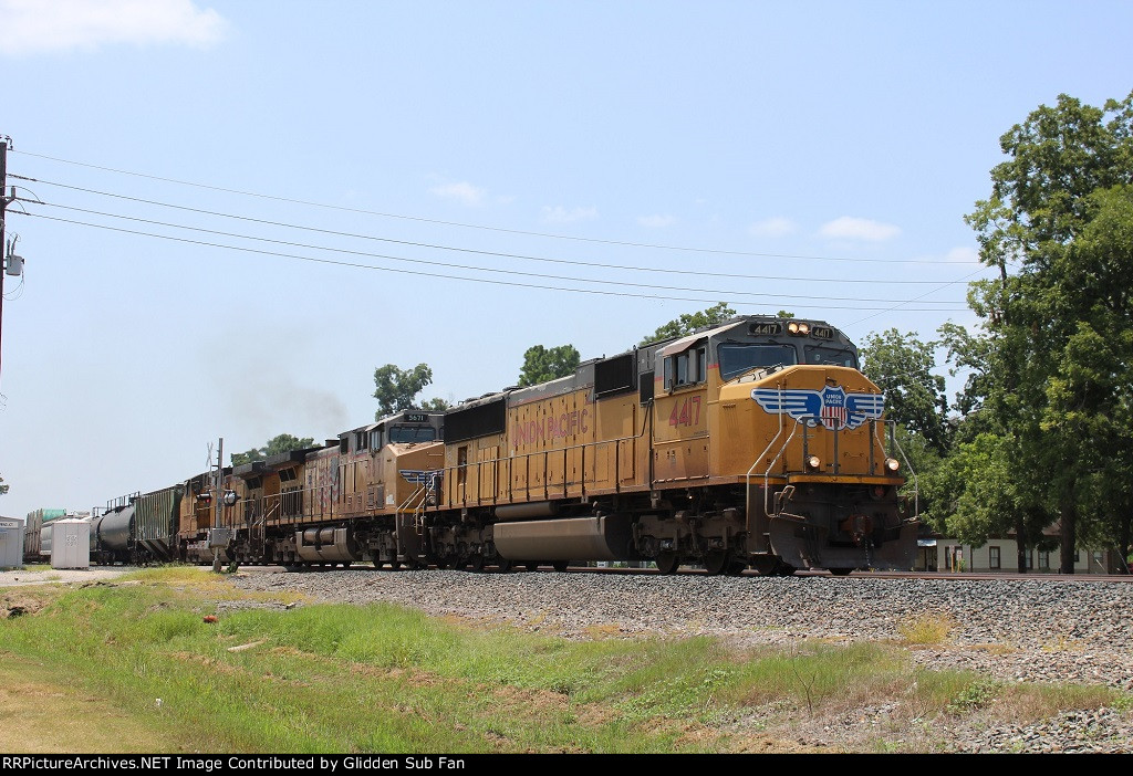 UP 4417 leads the MHOKC