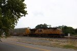 UP 7661 leads the ASMSP south