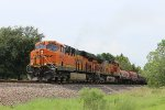 BNSF 6672 leads the H-TPLGAT