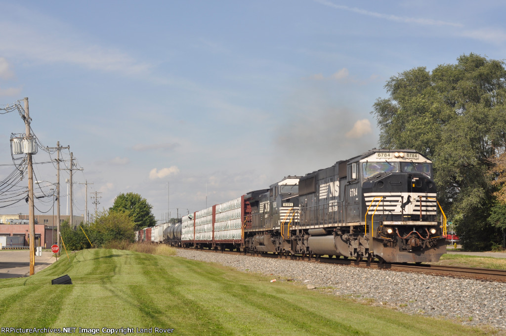 NS 6784 ExCon On NS 56 G Eastbound