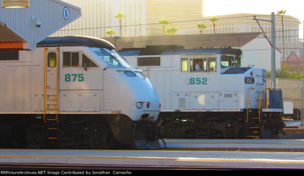 Two Metroblank F59PH(I)s