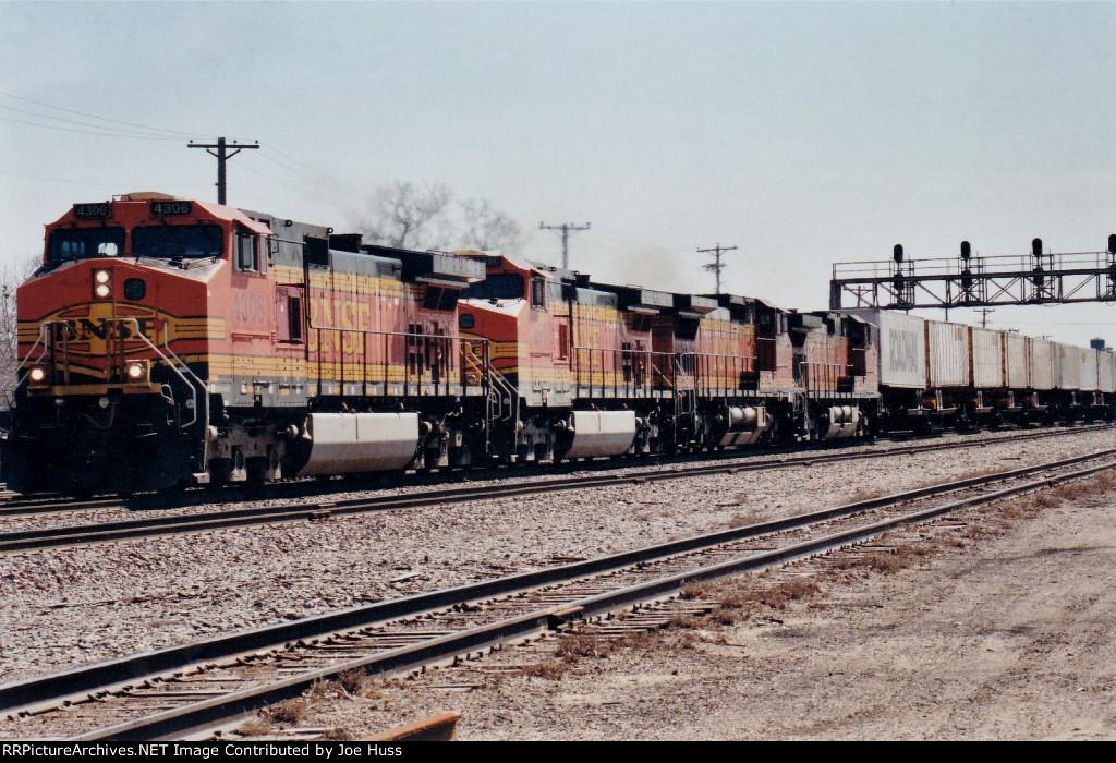 BNSF 4306 West