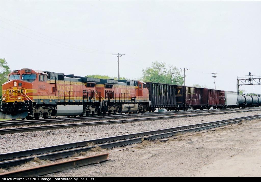 BNSF 5469 West