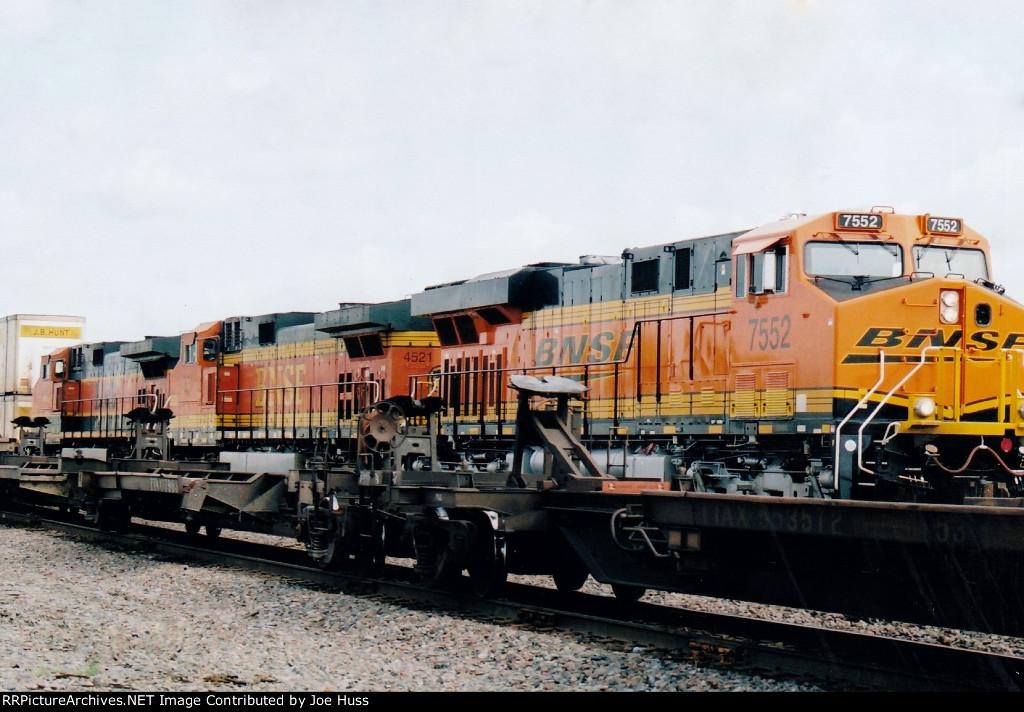 BNSF 7552 East