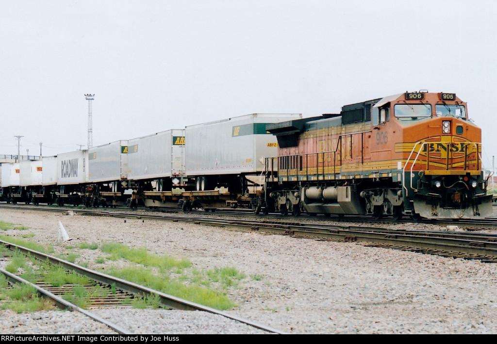 BNSF 906 East