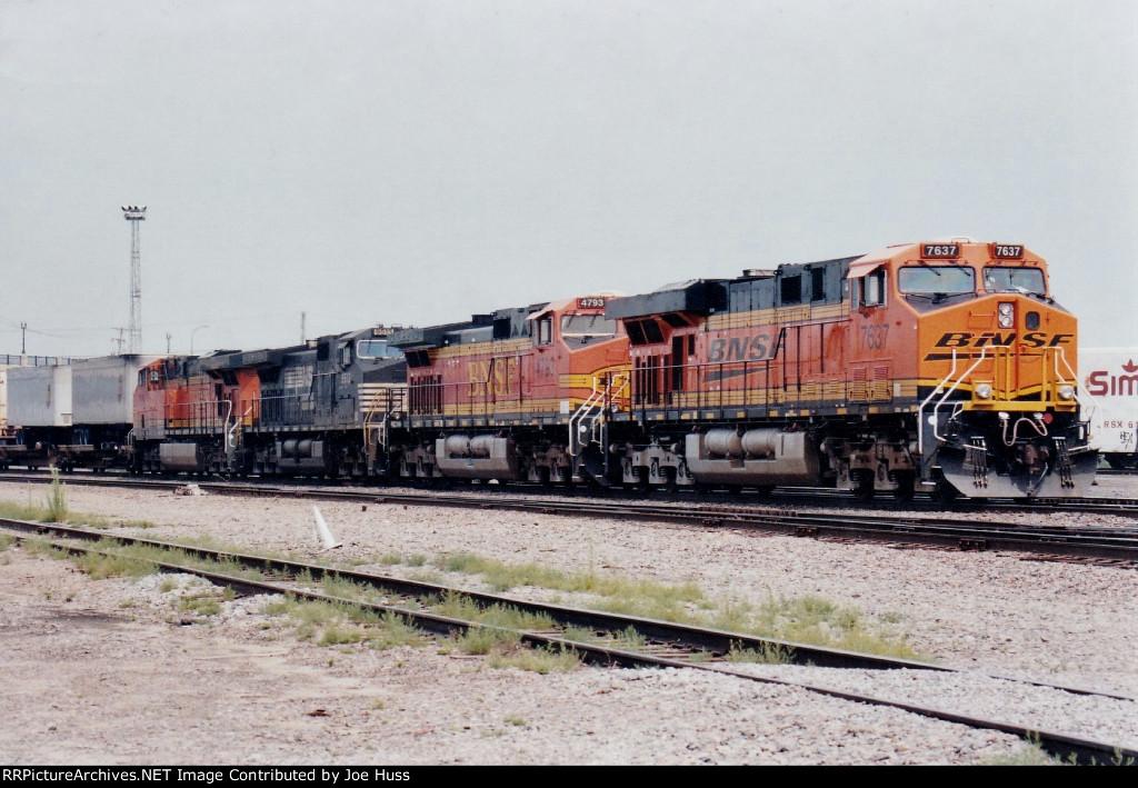 BNSF 7637 East
