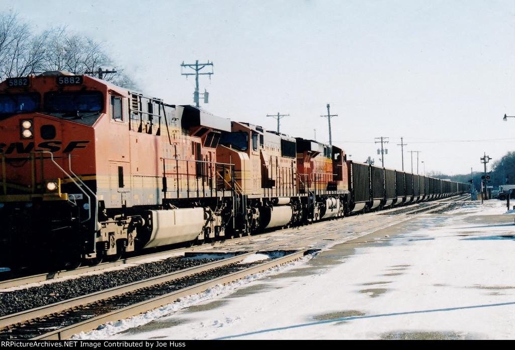 BNSF 5882 West