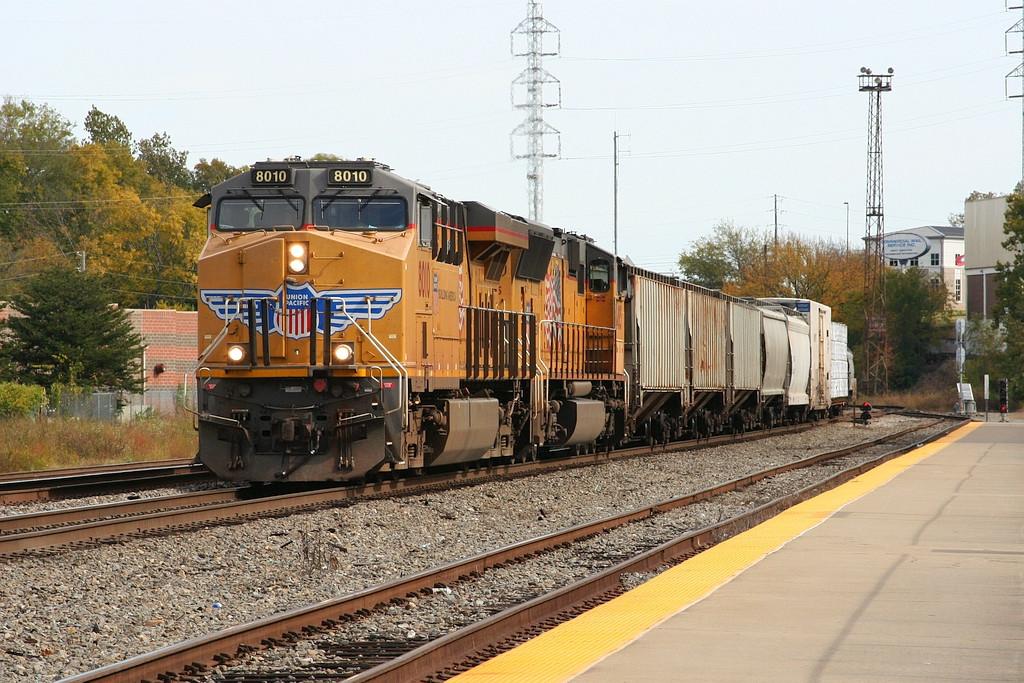 13:00 SB freight to Monroe alexandria Livonia?