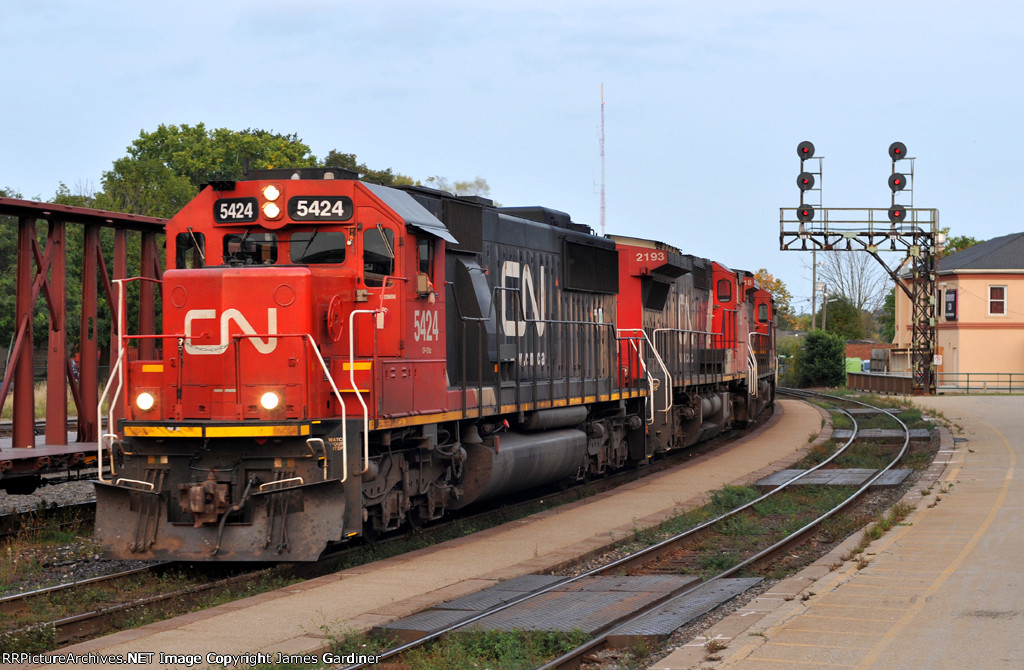 CN 383