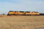 SD70 duo from different generations