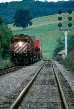 CP 4730 leads 553 at SW cabin