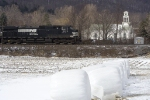 NS 9715 leads Train 168