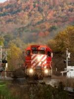 CP 6073 leads 252 south