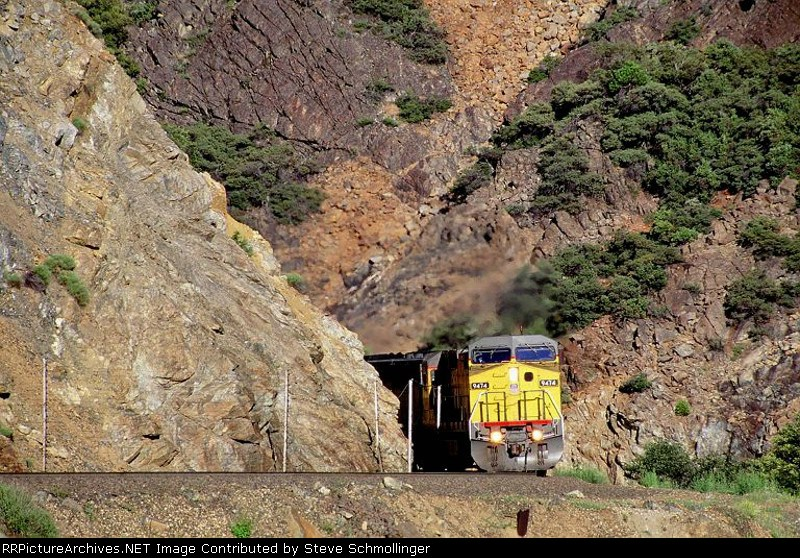 UP 9474 East in Serpentine Canyon