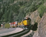 UP 6062 leads an OAAP3 APL stack train