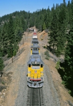 UP 6062 East approaches Williams Loop