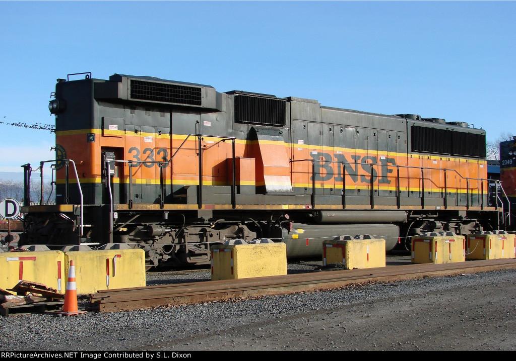 BNSF 333 at Delta