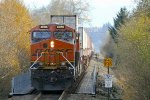 BNSF 8086 West at Lowell