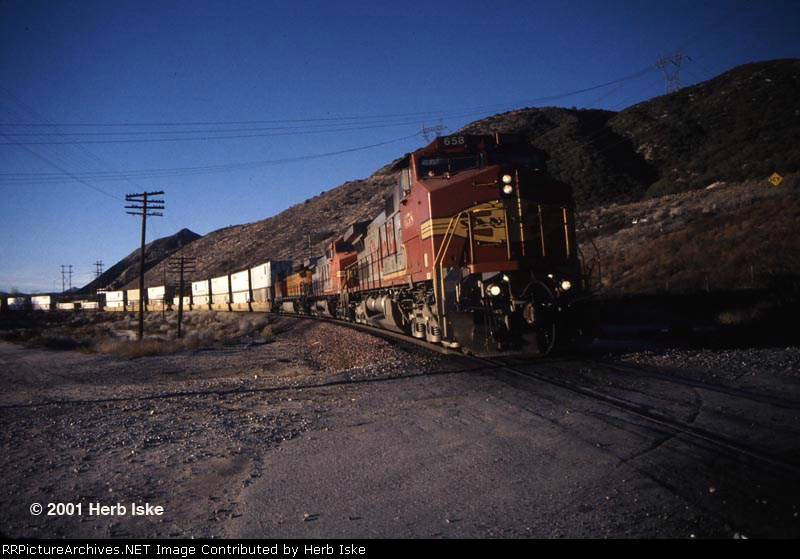 SRS Warbonnet Down the Pass