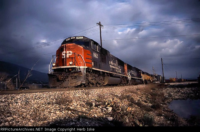 Southern Pacific Heads Up The Pass
