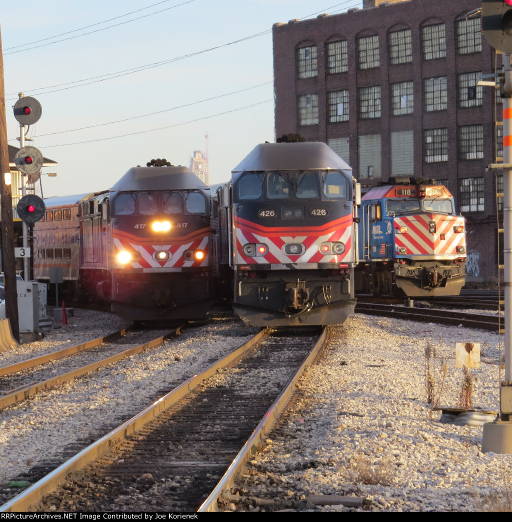Triple track full at Western Avenue