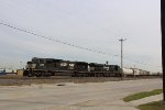 NS 2806 leads the MEWFPB-17 at Tower 68
