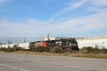 NS triclops and Fakebonnet holds an EB BNSF manifest at Hatchery