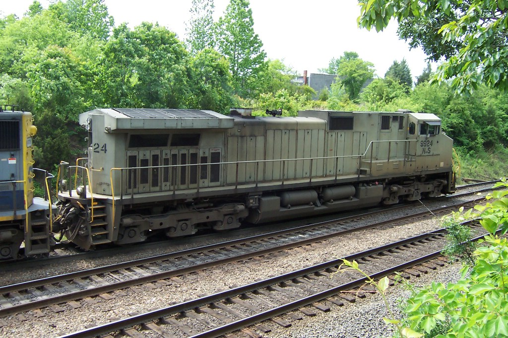 NS 9924 shows off for the camera