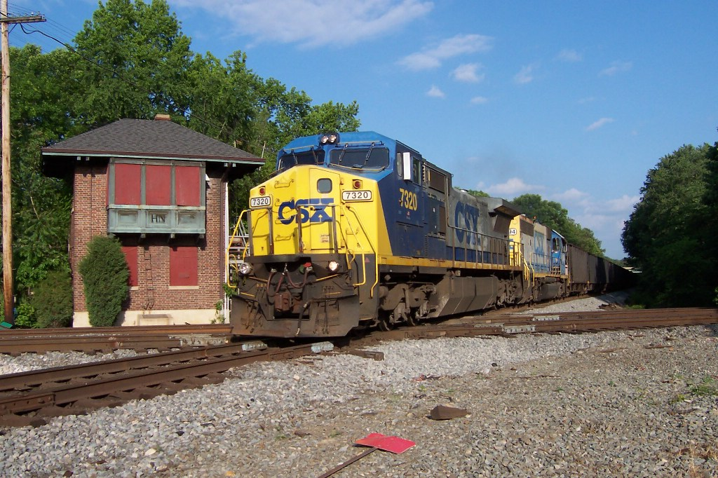 An Ex-Conrail and a Ex-RF&P run empties westbound