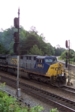 CSX 695 pulls south to clear up the tracks