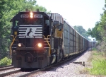Northbound Auto Train With NS SD70 2517