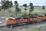 BNSF 8761/8424