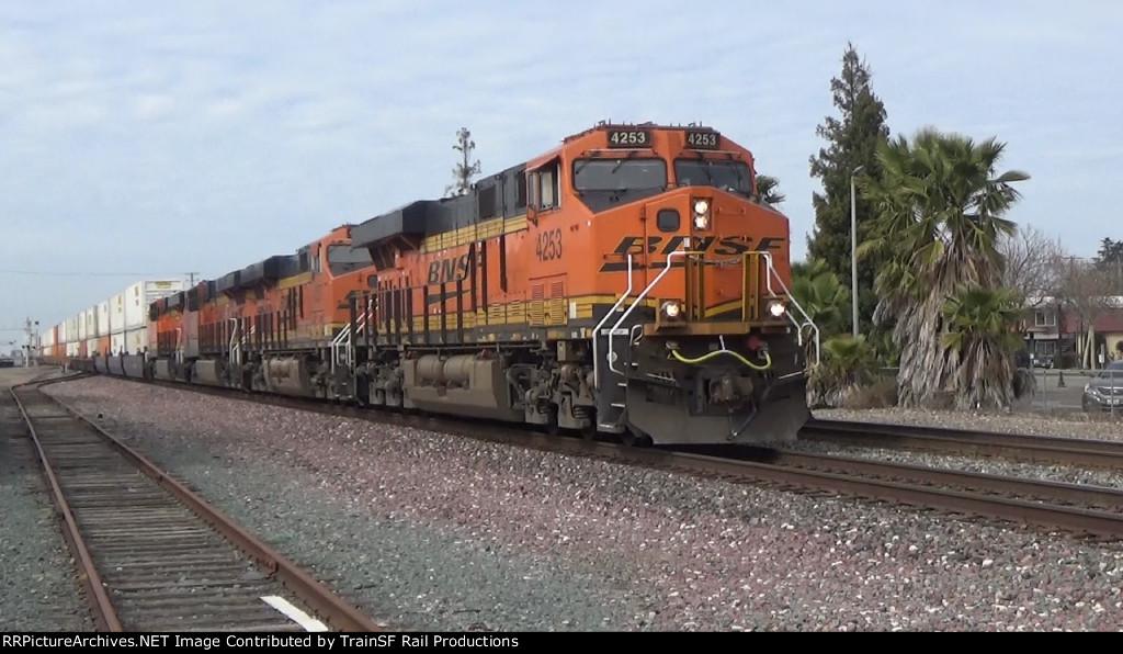 BNSF 4253 leads an Intermodel Train
