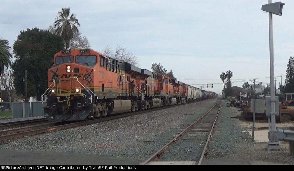 BNSF 7780 Leads a Manifest