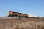 Accelerating quickly, BNSF 8075 leads Q-LACPEA1