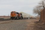 BNSF 4256 leads Q-ALTSBD6 in to Holbrook from the east