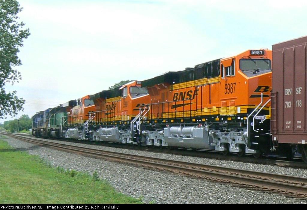 BNSF 5987