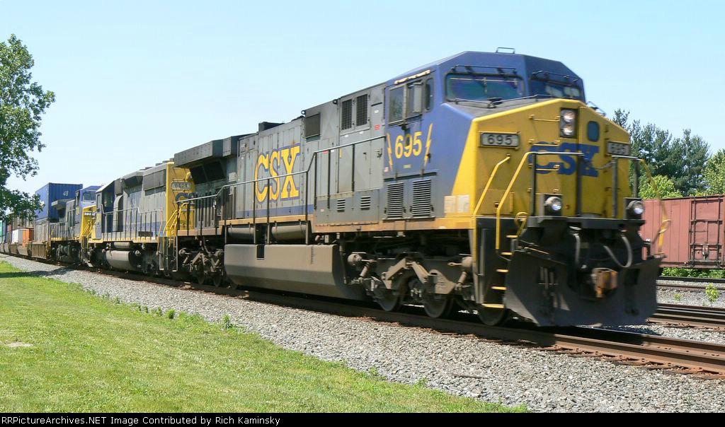 CSX 695