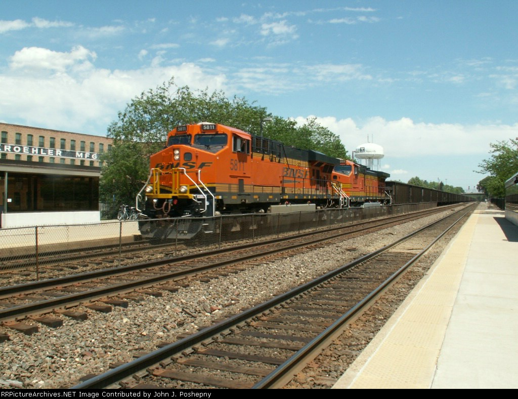 BNSF 5811