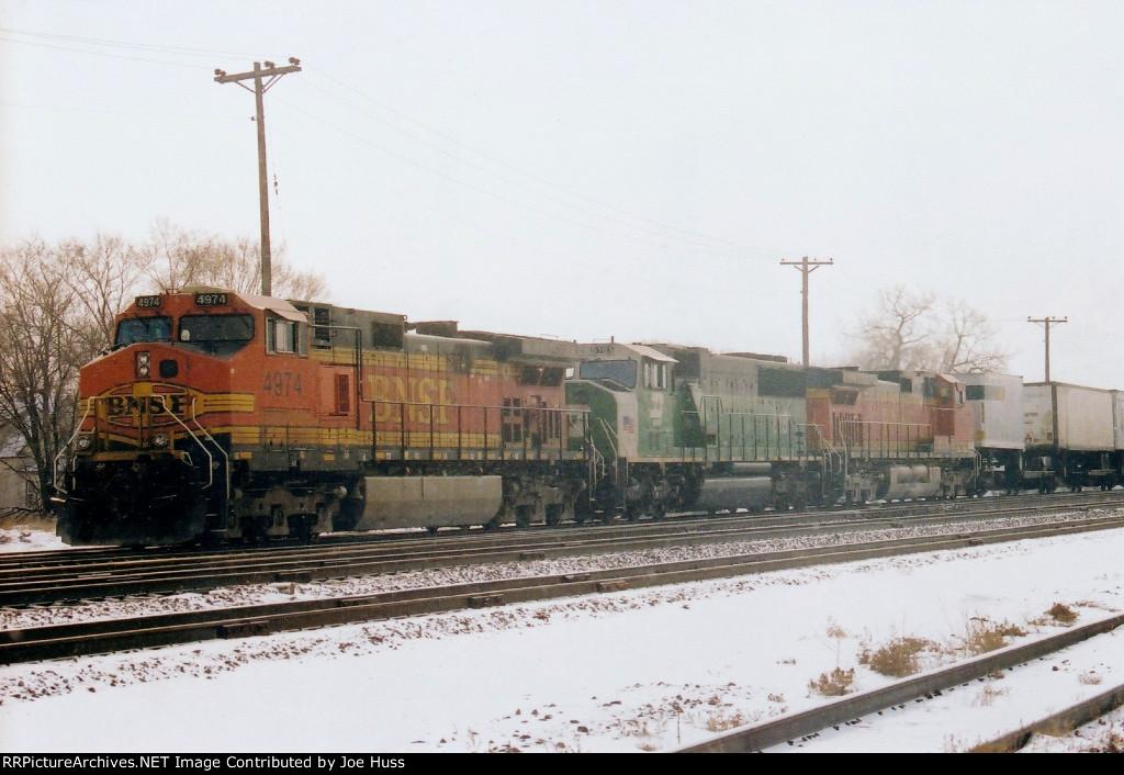 BNSF 4974 West