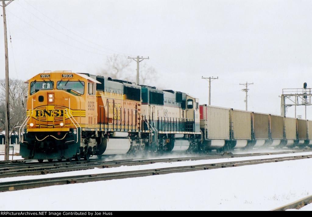 BNSF 9935 West