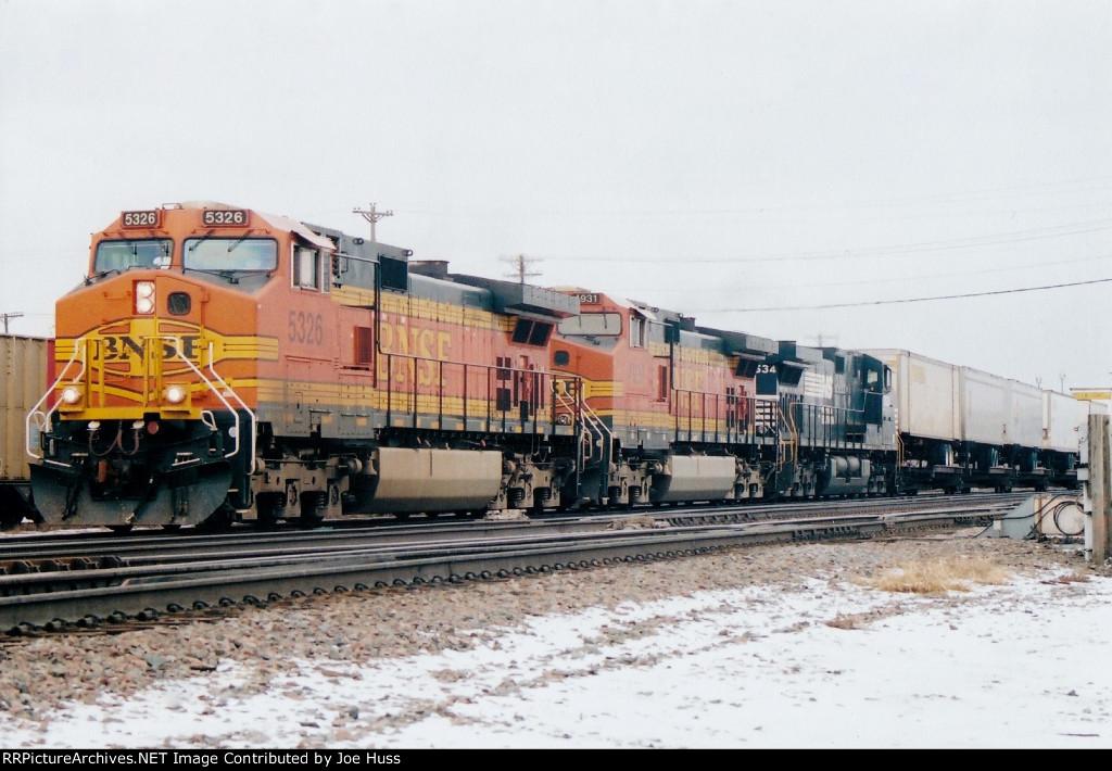 BNSF 5326 East