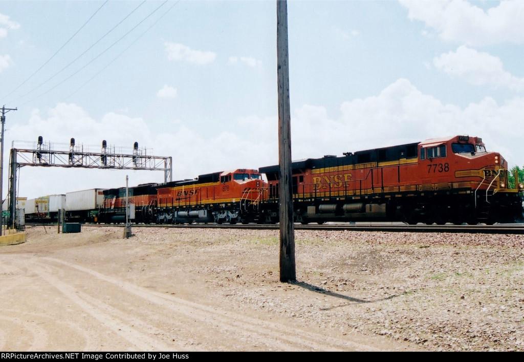 BNSF 7738 West