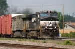 NS 9441 brings freight west