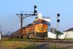 BNSF 5172 westbound