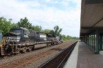 NS 9588 on CSX Q621-10