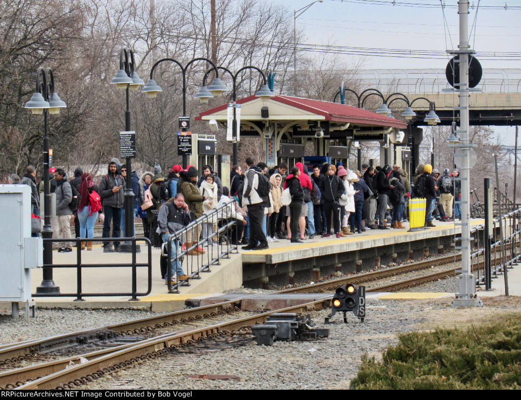 River LINE 36th Street station