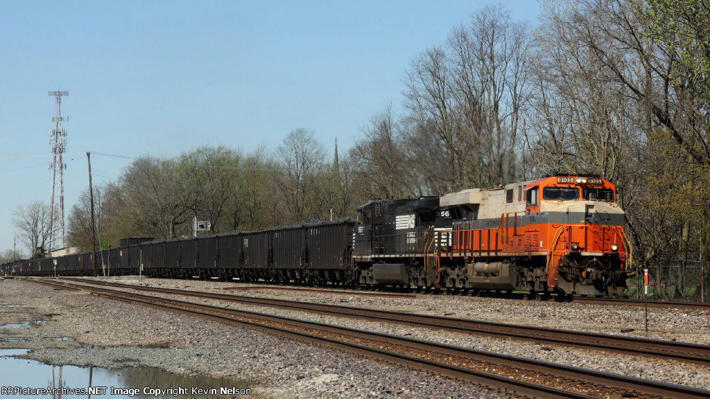 NS 8105 ES44AC  (Interstate)