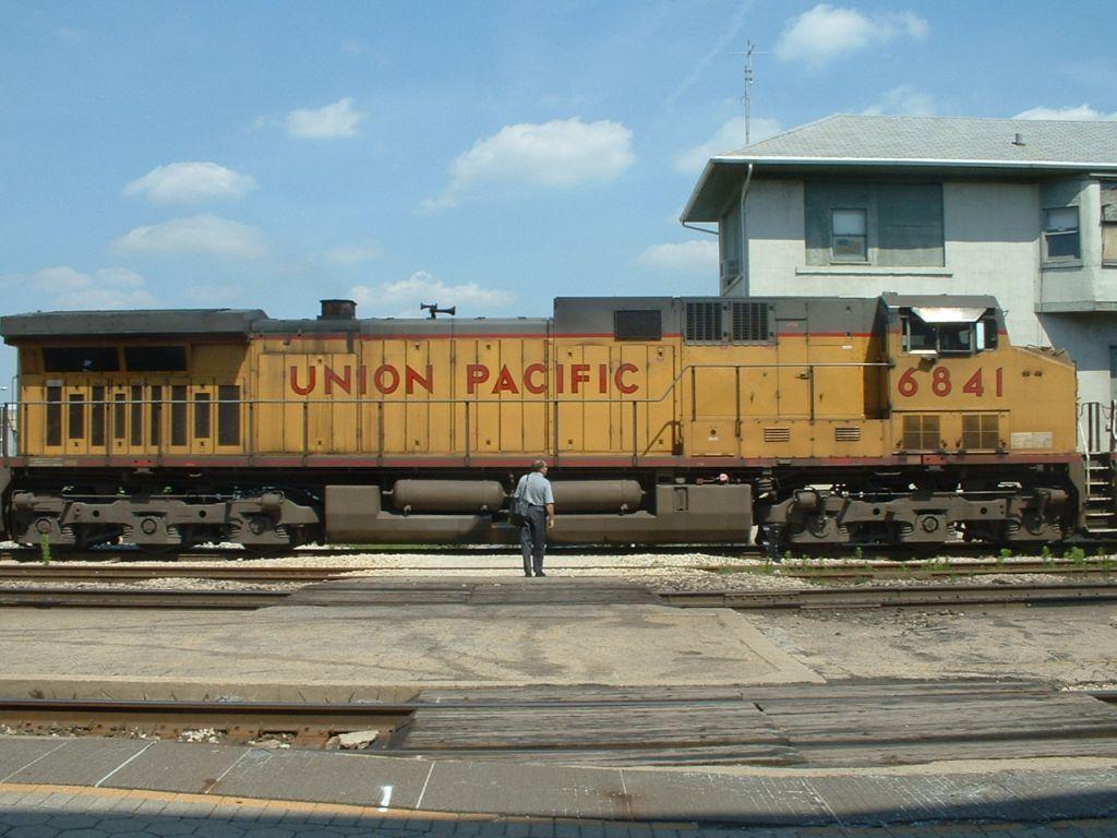 UP 6841