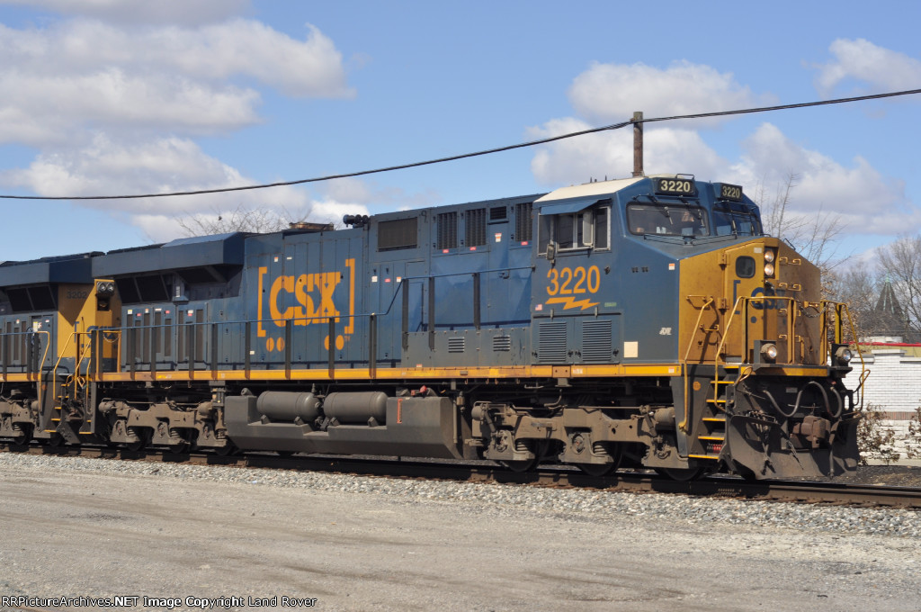 CSXT 3220 On CSX Q 351 Eastbound